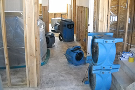 flood cleanup equipment